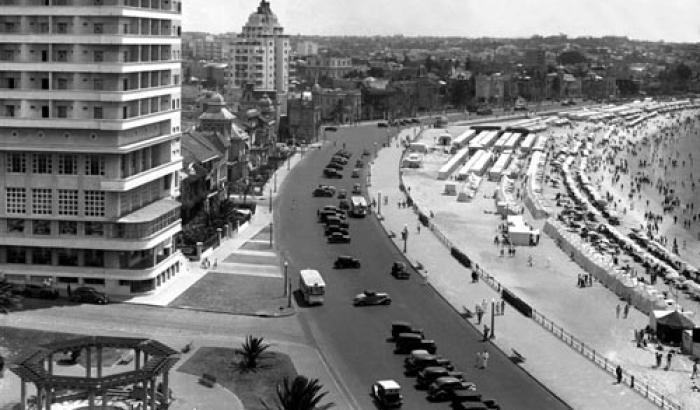 Hotel Rambla, Edificio El mástil y Playa Pocitos. Añ (Foto 7522 FMH.CMDF.IMM.UY)