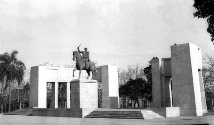 Monumento al Gral. Fructuoso Rivera. Sin datos (Foto 11620 FMH.CMDF.IMM.UY)